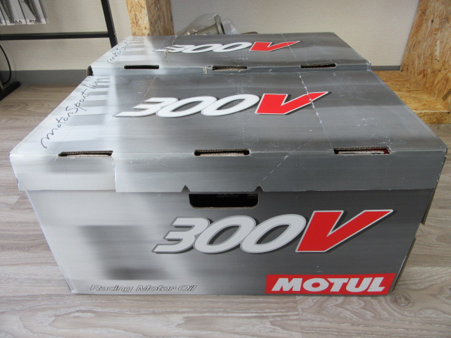 MOTUL モチュールオイル 300V 入荷!