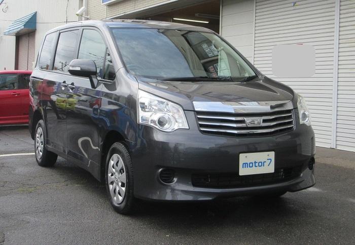 トヨタ ノア X 4WD Lセレクション 入庫!